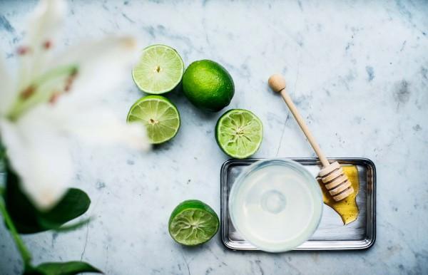 Drink med lime och honung